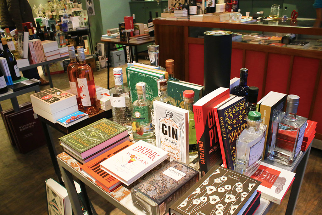 born-to-be-lovers-cityguide-gand-books-and-booze